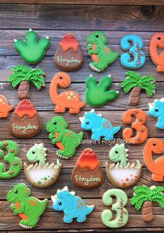 Dinosaur Cookies, Dinosaur Birthday Cakes, Mickey Birthday, Dinosaur Party, 1st Birthday Themes, Third Birthday, 3rd Birthday Parties, Birthday Party Decorations, Birthday Ideas