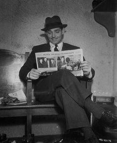 montygables:  Clark Gable reading on a film set circa 1934(ish).