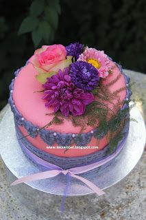 lekker zoet: gezellig bloemen taartje voor oma 80 jaar