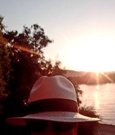 Nyár, napfény, Panamakalap! Panama Hat, Cowboy Hats, Summer, Fashion, Moda, Summer Time, Fashion Styles, Fashion Illustrations, Panama
