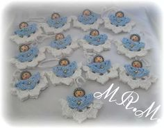 What a beautiful Christmas wreath - Salvabrani - Crochet Brazil Crochet Christmas Ornaments, Holiday Crochet, Crochet Snowflakes, Christmas Angels, Christmas Wreaths, Christmas Crafts, Merry Christmas, Crochet Angel Pattern, Crochet Angels