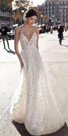 Sophisticated Gali Karten Wedding Dresses 2017 ❤  Full gallery: https://weddingdressesguide.com/gali-karten-wedding-dresses/