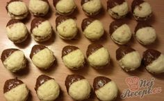 Medvědí tlapky | NejRecept.cz Czech Recipes, Sweet And Salty, Holidays And Events, Biscotti, Christmas Cookies, Stuffed Mushrooms, Muffin, Baking, Vegetables