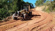 Prefeitura de Prado segue manutenção em estradas vicinais