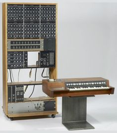 Moog Drum Machine ~ prototype 1970 ~ Bob Moog built this drum machine machine for TV Theme / Jingle composer Eric Siday. Moog's Analog Drum Machine consisted of prototype modules for drum and percussion synthesis Music Production Equipment, Recording Equipment, Music Machine, Drum Machine, Inspektor Gadget, Motif Music, Foley Sound, Studio Setup, Studio Gear