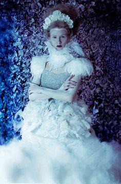 Ivory feather neck corset,   cream feather costume neckpiece, steampunk necklace