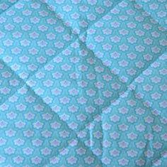 Matelasse pique estampado Quilts, Blanket, Bed, Home, Block Prints, Bedding, Beds, Stream Bed, Quilt Sets