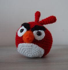Try this free angry birds crochet pattern and make your own angry birds toys! Find this and many other free crochet patterns at Craftown.
