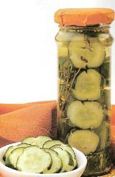 Pepinos en vinagre aromatizado Pan Dulce, Romanian Food, Tasty Bites, Preserving Food, Special Recipes, Antipasto, Vegan Life, Vinegar, Cucumber