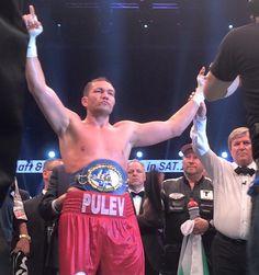 Kubrat Pulev ist neuer EBU-Europameister im Schwergewicht. Der Bulgare setzte sich am Samstagabend gegen Dereck Chisora nach Punkten durch.