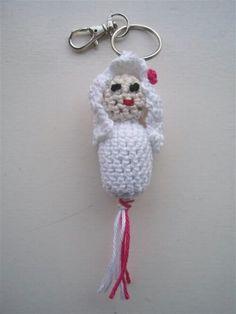 Gehaakt gelukspoppetje #Bruid #haakpatroon #patroon #haken #gehaakt #bride #crochet #pattern #amigurumi #DIY