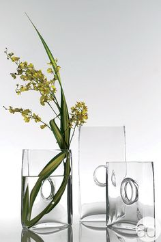 Elegant Glass Centerpiece located on the Accent Decor Design Center.