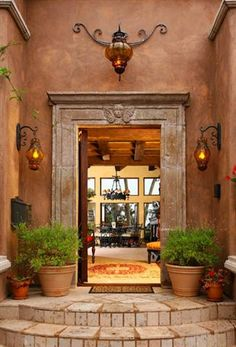 Spanish decor, warmth, welcoming, rich in texture. Hacienda Style Homes, Spanish Style Homes, Spanish House, Spanish Colonial, Hacienda Decor, Spanish Revival, Style At Home, Mexican Hacienda, Mexican Style