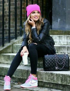 Teal wedges and teal beanie