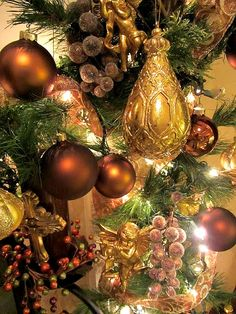 Christmas Mantel - Visit embellishmentsbyslr.blogspot.com