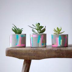 Concrete Pots for Indoor Plants . Concrete Pots for Indoor Plants . Painted Plant Pots, Painted Flower Pots, Concrete Crafts, Concrete Projects, Concrete Pots, Concrete Planters, Wall Planters, Indoor Plant Pots, Potted Plants