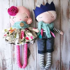 Well, now aren't they just the most dapper pair. 😊 An adorable custom girl/boy set for a little girl's Christmas. I just wish I could see her face when she opens them 💗💙 Tiny Dolls, Soft Dolls, Cute Dolls, Softies, Fabric Toys, Creation Couture, Sewing Dolls, Waldorf Dolls, Knitted Dolls