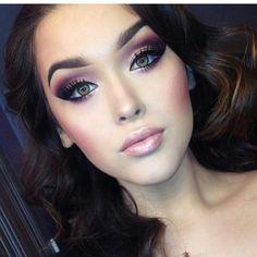 Dramatic rose smoky eye...good wedding makeup