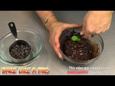 How to temper chocolate.  I'll show you how to temper chocolate at home.  This works with any type of chocolate, milk chocolate, dark chocolate, semi-sweet chocolate, and even chocolate chips as I illustrate in this recipe.  I hope I explained it correctly and in a way you understand.  Thanks for watching !  Please subscribe, like and share if you can, I do appreciate it.  My Facebook Page: http://www.facebook.com/BakeLikeAPro My Twitter: http://twitter.com/BakeLikeAPro