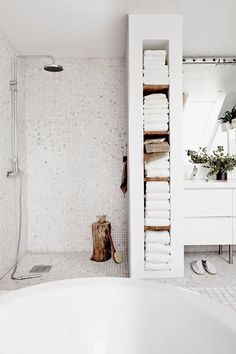 would use some of that shelf space for baskets filled with toiletries. How to make the most of a small bathroom.I would use some of that shelf space for baskets filled with toiletries. How to make the most of a small bathroom. Bathroom Renos, Bathroom Layout, Bathroom Colors, Bathroom Interior, Master Bathroom, Bathroom Ideas, Bathroom Small, Bathroom Shelves, Bathroom Vanities