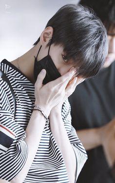 — ₍ doyoung - nct ₎ ✧ ˒ ♥︎ or ↻ if u save Jaehyun Nct, Winwin, Taeyong, Nct 127, Kpop, Nct Life, Nct Doyoung, Jeno Nct, Kim Dong
