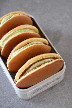 Japanese Deserts, Japanese Pastries, Japanese Pancake, Japanese Sweets, Japanese Matcha, French Pastries, Japanese Food Recipes, Dorayaki Recipe, Savory Pancakes