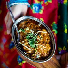 Nepalilaisen curryruuan voi valmistaa joko jogurtilla tai ilman.