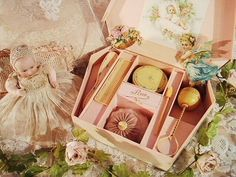 antique 'French Ivory' nursery set in presentation case ... c. 1910