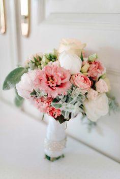 Minnie & Naoto: Romantische Schlossgarten-Hochzeit GRACE & BLUSH http://www.hochzeitswahn.de/inspirationen/minnie-naoto-romantische-schlossgarten-hochzeit/ #wedding #romantic #flowers