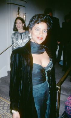 Phylicia Rashad  listed as a Kibbe Dramatic Classic, DC, I think she is definitely classy but somehow she looks like a Romantic. R