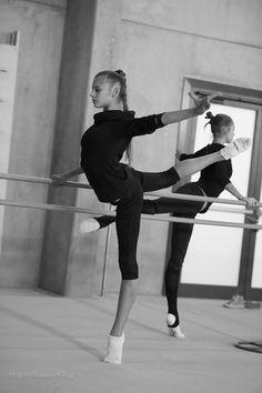 Ballerina Aleksandra Soldatova - Photo by Oleg Naumov