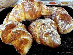 Cornuri cu branza gem sau rahat (16) Pastry And Bakery, Bread And Pastries, Pastry Cake, Romanian Desserts, Romanian Food, Romanian Recipes, Just Desserts, Dessert Recipes, Sweet Dough