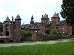De Haar Castle in Utrecht, #thenetherlands #castle #beautifulplaces