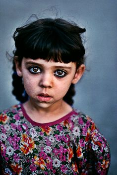 photography b&w world Afghanistan humanitarian Steve McCurry Kabul Afghan Girl refugee b&w photography refugee camp