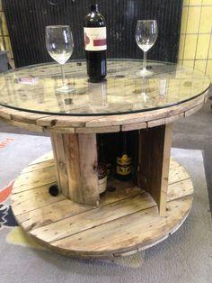 Kabeltrommel Tisch