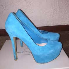 Jessica Simpson JS-Waleo Suede Teal shoes Gently worn. Have signs of wear on the suede but can easily be wiped off with soap and water. I'm an 8-81/2 and they fit me just fine Jessica Simpson Shoes