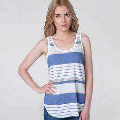 #newarrivals #studio #newproduct #new #women #womencollection #levis #levistshirt #tshirt #stripes #relaxed #tank #surf #stripe #violet #ash #standard #liveinlevis #model @alina.kolodziejczyk @as_management