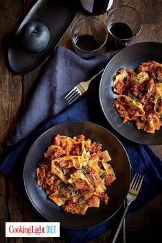 Short Rib and Tomato Ragout The short rib bones add incredible flavor to the ragout as the meat breaks down Cooker Recipes, Beef Recipes, Healthy Recipes, Healthy Meals, Pasta Recipes, Pasta Meals, Jelly Recipes, Vegetable Recipes, Recipies