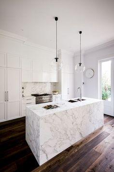 ideas kitchen modern dark shaker style for 2019 Kitchen Interior, New Kitchen, Kitchen Design, Kitchen Modern, Contemporary Kitchens, Modern Kitchens, Kitchen Wood, Luxury Kitchens, Dark Wood Kitchens
