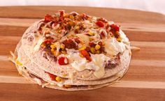 Lunch/Dinner: Tex-Mex Layer Pizza calories/serving) serve with side salad Epicure Recipes, Mexican Food Recipes, Yummy Recipes, Healthy Recipes, Ethnic Recipes, Nutritious Snacks, Healthy Dinners, Under 300 Calories, Good Food