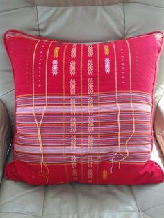 My fave Thai fabric (Lined, zipper) Chiang Mai, Bali, Print Patterns, Thailand, Oriental, Textiles, Throw Pillows, Zipper, Fabric