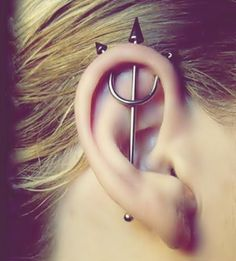 I always liked Industrial piercings nut i always think it would hurt but seeing this makes me think oxoxox