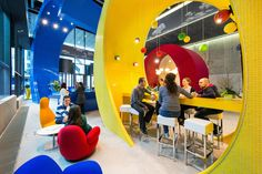 The search engine's new Dublin HQ is a spunky, brightly colored workplace with in-your-face design flourishes. Google Office, Classroom Setup, Classroom Design, Modern Classroom, Evolution Design, Espace Design, Best Places To Work, Cool Office Space, Office Spaces