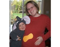 awesome pregnancy Halloween costume!