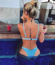 Tatuajes para Chicas - Aesthetics E - Tattoo Frauen Dainty Tattoos, Hot Tattoos, Couple Tattoos, Body Art Tattoos, Small Tattoos, Tattos, Arabic Tattoos, Girl Spine Tattoos, Spine Tattoos For Women