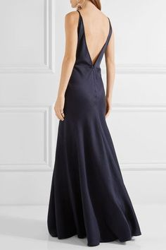 Shop on-sale Louise herringbone silk-jacquard gown. Browse other discount designer Gowns & more luxury fashion pieces at THE OUTNET Midnight Blue Bridesmaid Dresses, Silk Bridesmaid Dresses, Bridesmaid Hair, Bridesmaids, Gabriela Hearst, Dress Hairstyles, Silk Gown, Herringbone Pattern, Designer Gowns