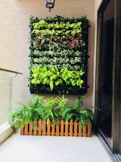 Small Balcony Design, Small Balcony Garden, Balcony Plants, House Plants Decor, Terrace Garden, Indoor Plants, Small Balconies, Vertical Garden Plants, Vertical Garden Design