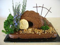 Edible Easter Garden, step by step instructions Easter Cookies, Easter Treats, Easter Cake Cross, Christian Cakes, Cross Cakes, Easter Show, Garden Cakes, Edible Garden, Easter Garden