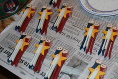 Crafts reDesigned: tutorial for nativity ornaments from clothespins!