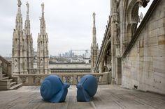Le chiocciole di Cracking Art sul Duomo di Milano
